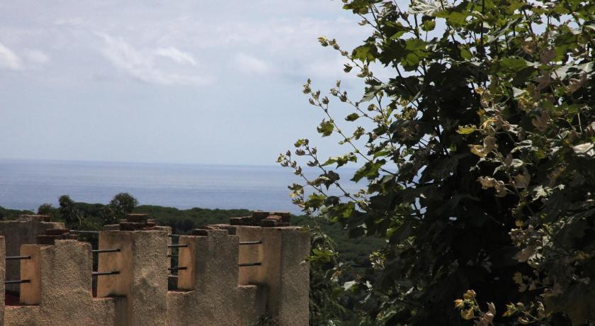Hotel Castell de L'Oliver 26