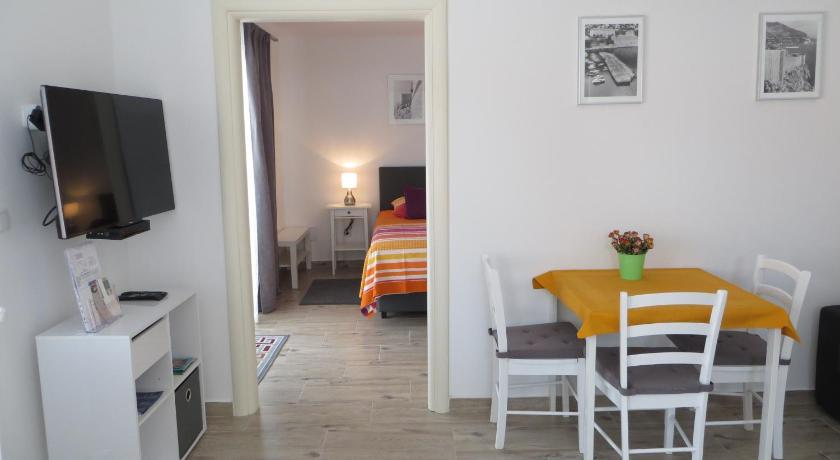 Apartment Nava