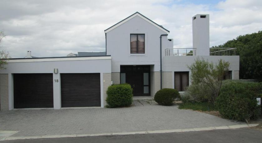 Milkwood Lynx 18 Holiday Home