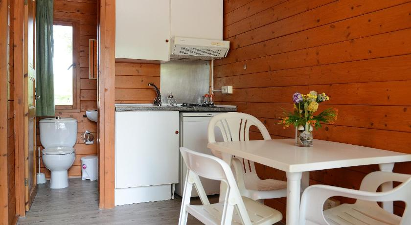 One-Bedroom Bungalow - Bathroom Camping L'Alba