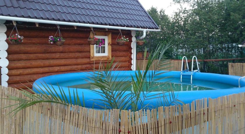 Swimmingpool Mostovaya Holiday Home