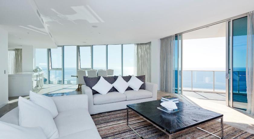 Hilton Surfers Paradise Residences. Hilton Surfers Paradise Residences 6 Orchid Avenue Gold Coast