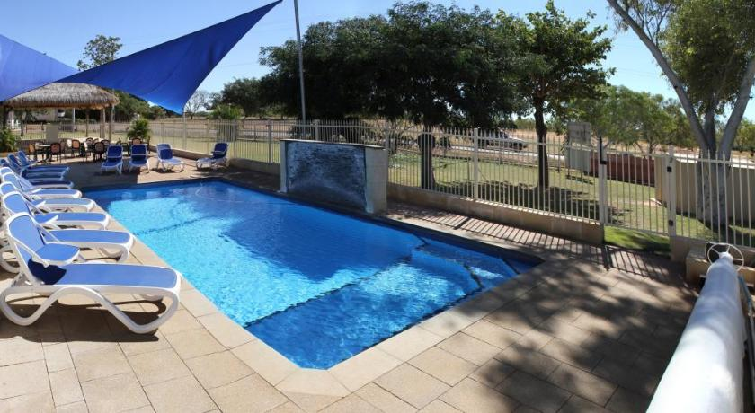 Swimming pool Halls Creek Motel