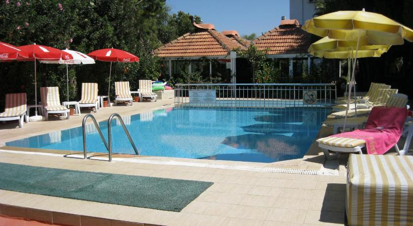 Swimming pool Safak Beach Hotel