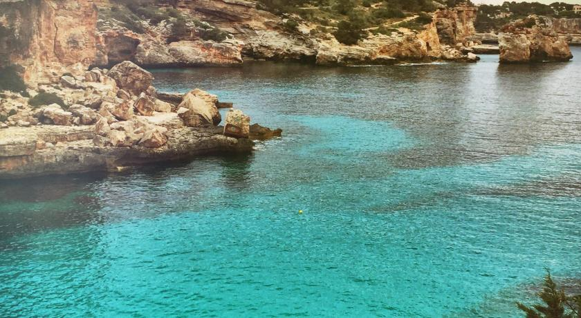 плаж Holiday Home Cala Llombards