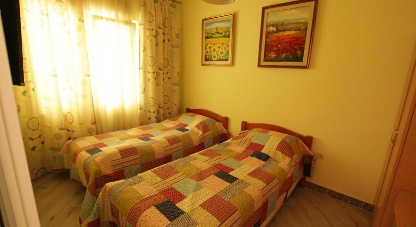 Twin Room with Balcony - Bed Guesthouse Villa Tortuga