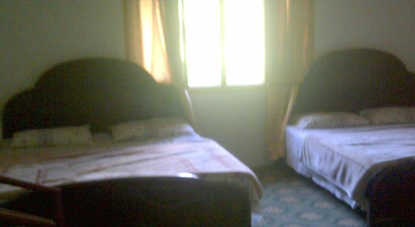 Habitació de luxe doble (2 adults i 1 Infant) Chinaar Guest House