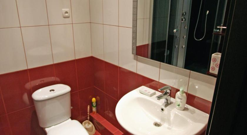 Large Double Room - Bathroom Mini-hotel Observatornom