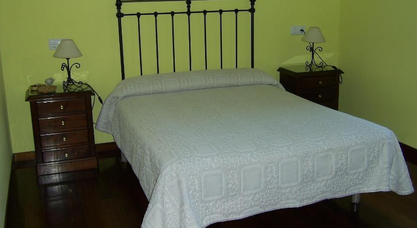 Double or Twin Room with Private Bathroom - Guestroom Casa Fonso