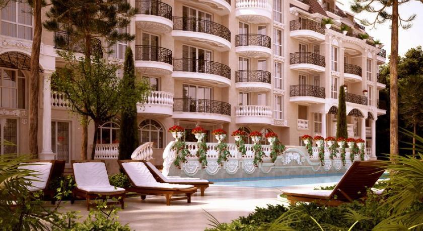 Venera Palace Apartments