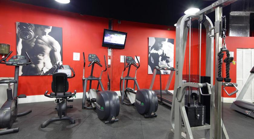 Fitness center New Point Miami Beach Apartments