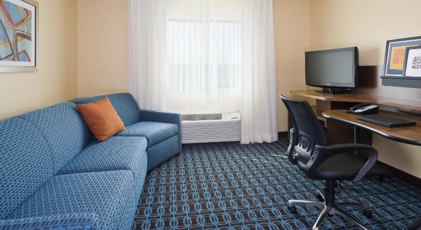 Sala d'estar separada Fairfield Inn & Suites Dallas Park Central
