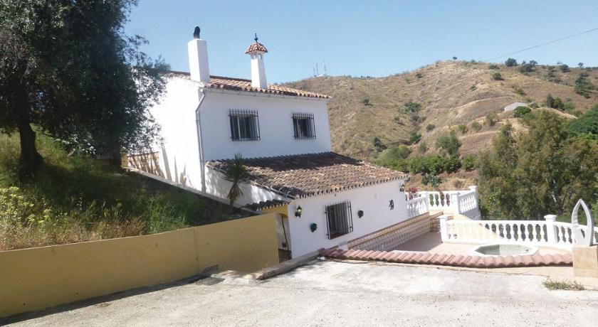 Mere om Holiday Home La Viñuela with a Fireplace 02
