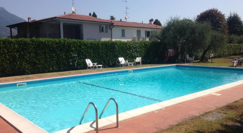 Appartamento con piscina San Felice del Benaco - San Felice del ...