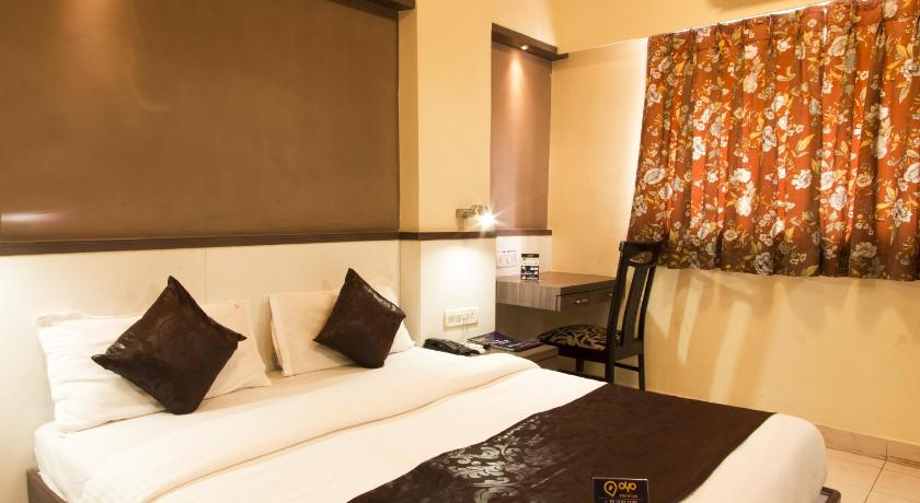 Deluxe Double or Twin Room Oyo Premium Khar West