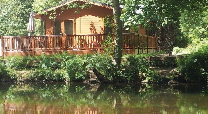 Dollar Riverside Lodges