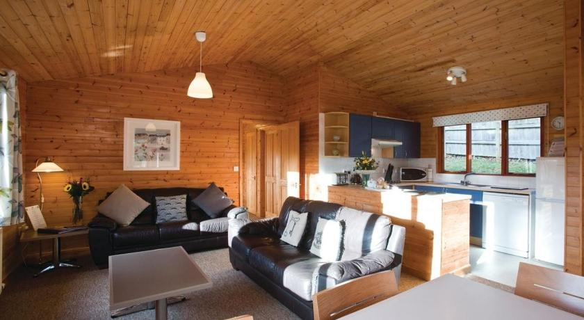 More about Ivyleaf Combe Lodges