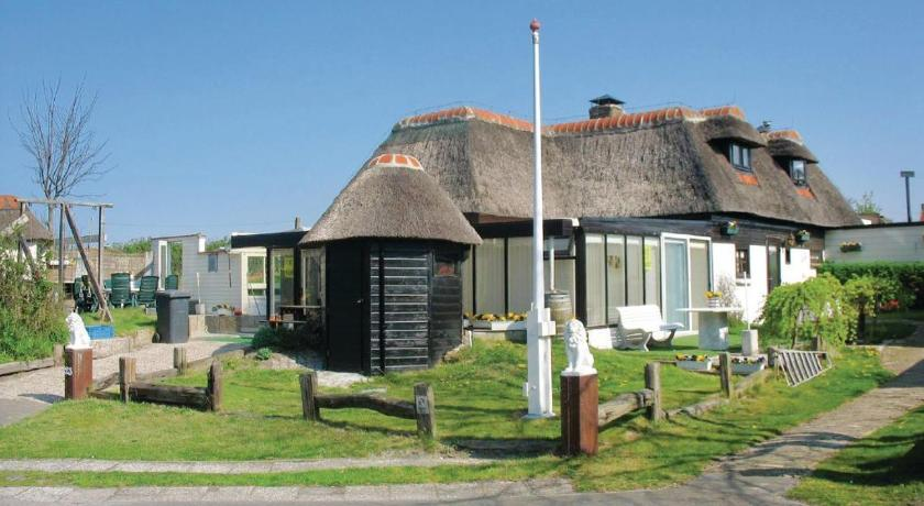 Holiday home Groote Keeten V