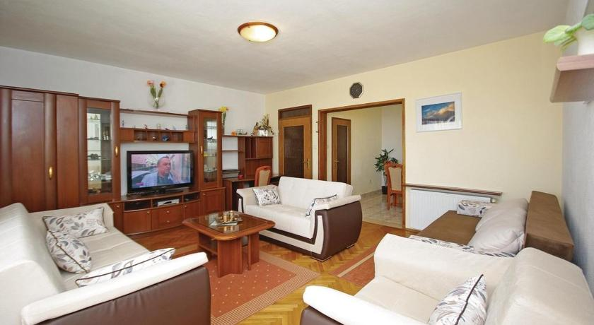 One-Bedroom Apartment Apartment Veliko Brdo V