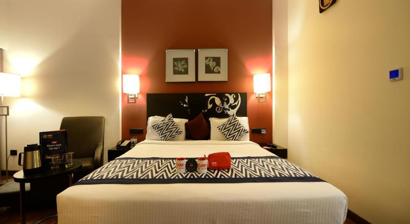 Deluxe Double or Twin Room Oyo Premium Ramavarappadu Circle