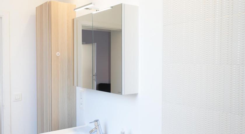 Bathroom Apartment XYZ Brussels