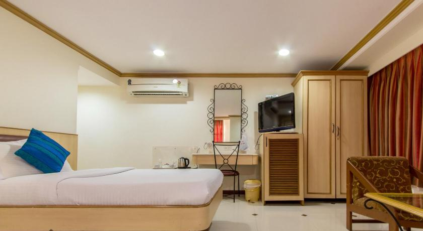 See all 29 photos Zo Rooms Colaba Causeway