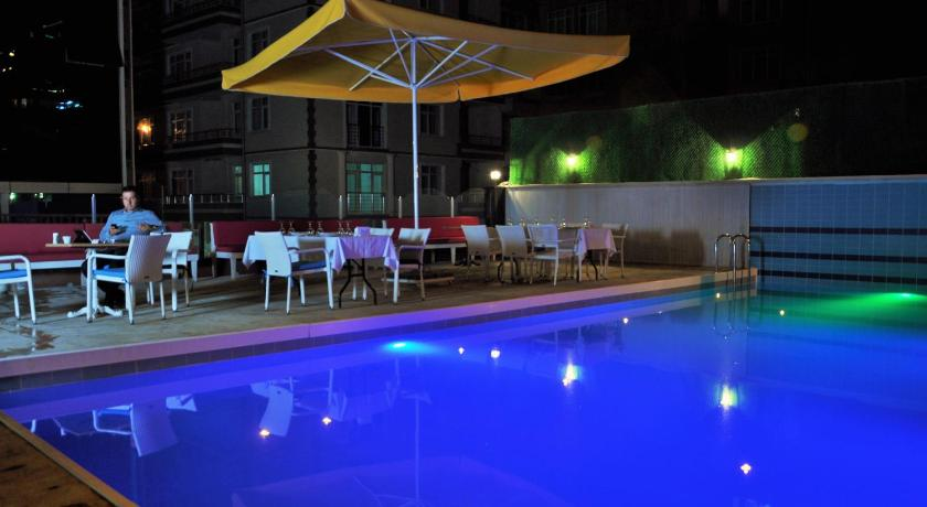 Swimming pool Hotel 1919 Samsun