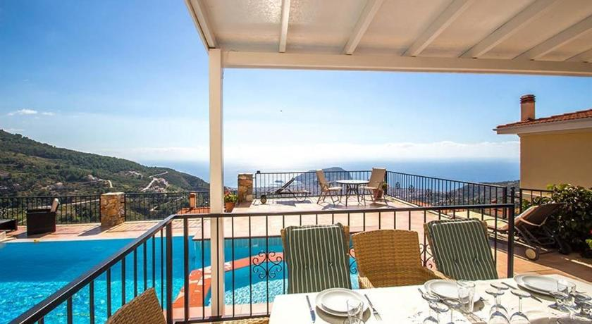 Panorama Holiday Villa 11