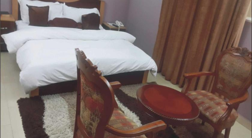 Deluxe Single Room Falak Grand Hotel