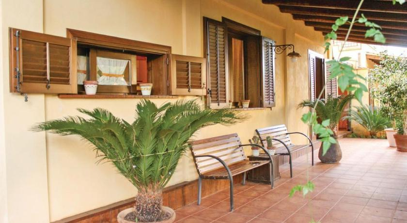 Three-Bedroom Holiday Home Villa Adriana IV