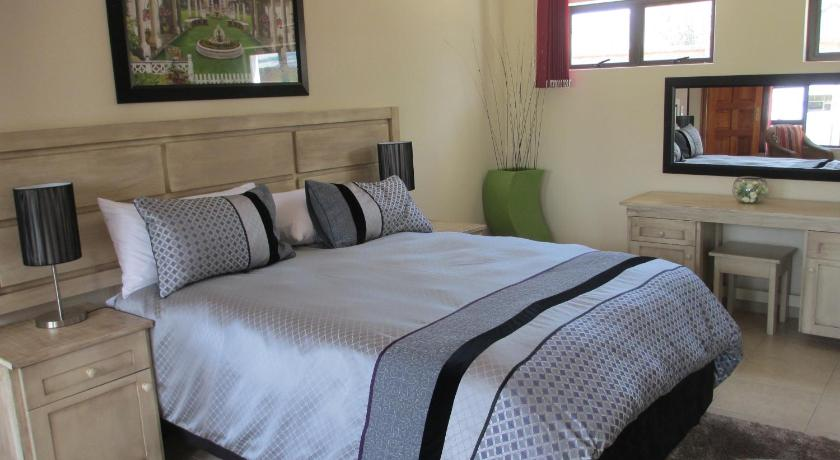 Double Room with Balcony - Bed Casa Bianca Guest Lodge