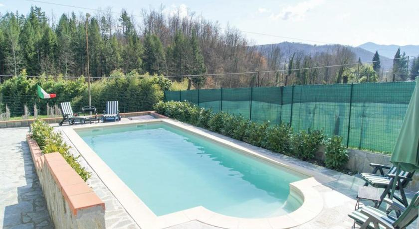 Three-Bedroom Holiday Home Casa Rotaia Lunigiana