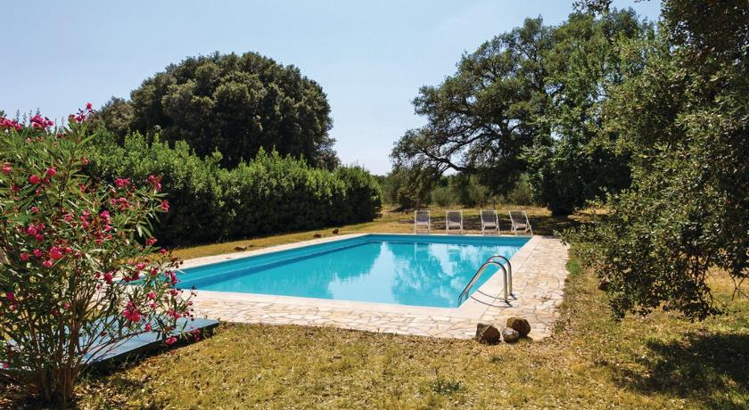 Five-Bedroom Holiday home Roccastrada with an Outdoor Swimming Pool 06
