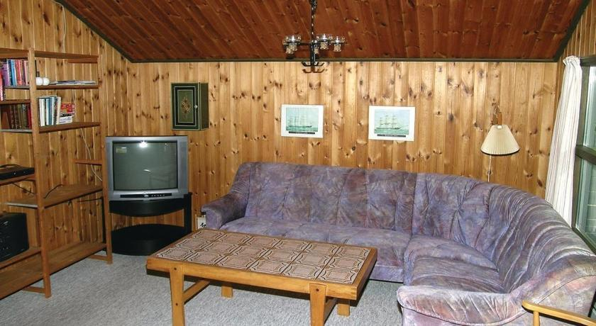 Two-Bedroom House Holiday home Oksevej Ålbæk XI