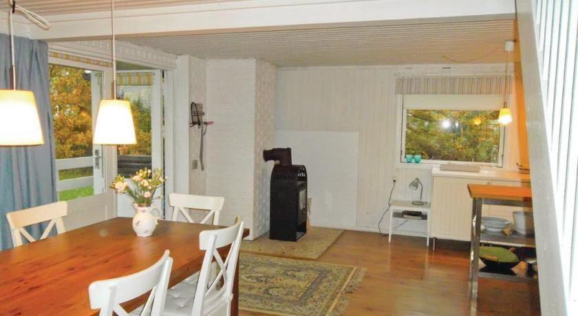 Three-Bedroom House Holiday home Strandlund Hadsund XII
