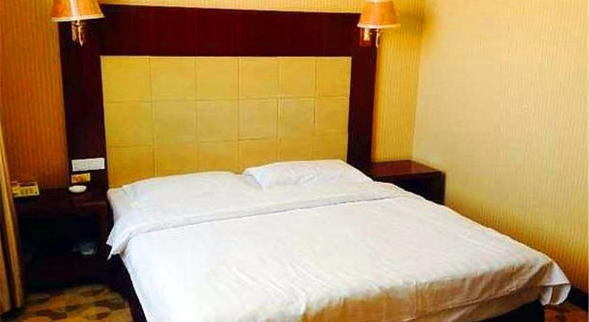 Mainland Chinese Citizens-Three-Bedroom Apartment - Guestroom Ejin Liyi Guest House