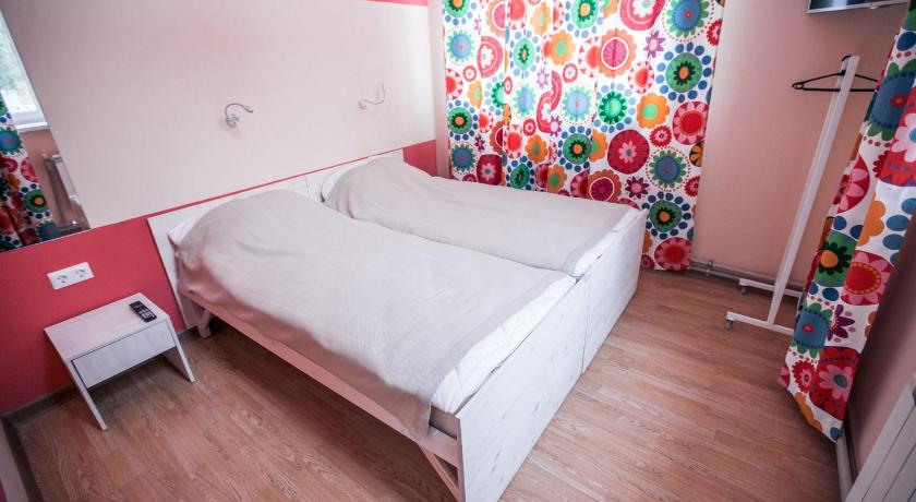 Economy Twin Room - Guestroom YES! hostel