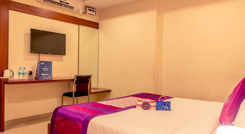Double or Twin Room - Guestroom OYO Rooms Dolphin Circle