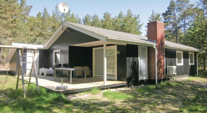 Holiday home Kjøddtynjan Nexø IV