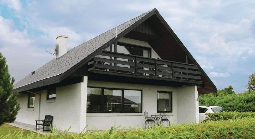 Drei Schlafzimmer Haus (Three-Bedroom House)