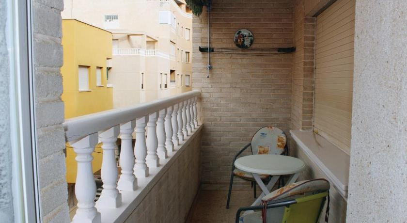 Two-Bedroom Apartment Torrevieja 02