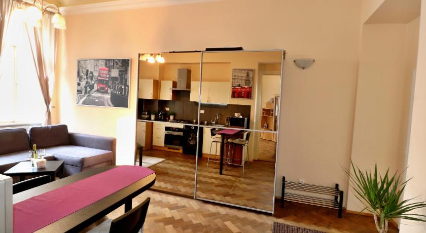 One-Bedroom Apartment - Guestroom Orebitska Apartments