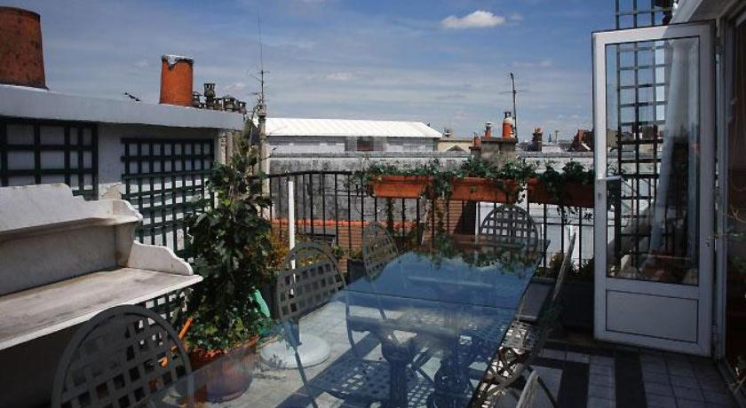See all 55 photos Apartment Rue de Seine with view - 4 adults