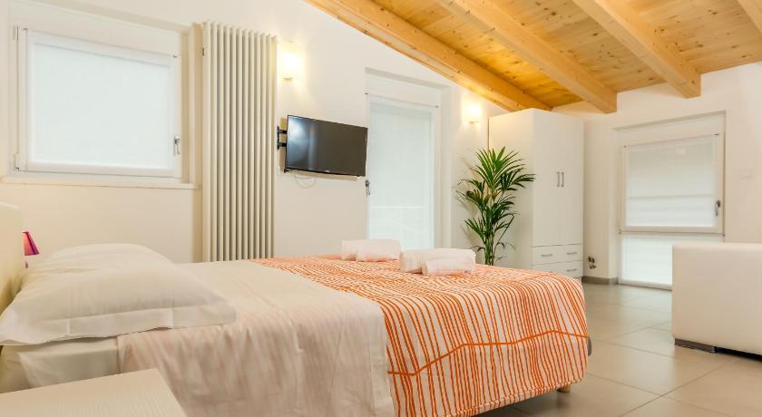 Best Price on Villa Cornelia in Trento + Reviews!