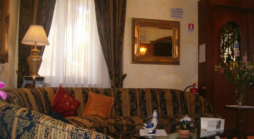 More about Hotel Squarciarelli
