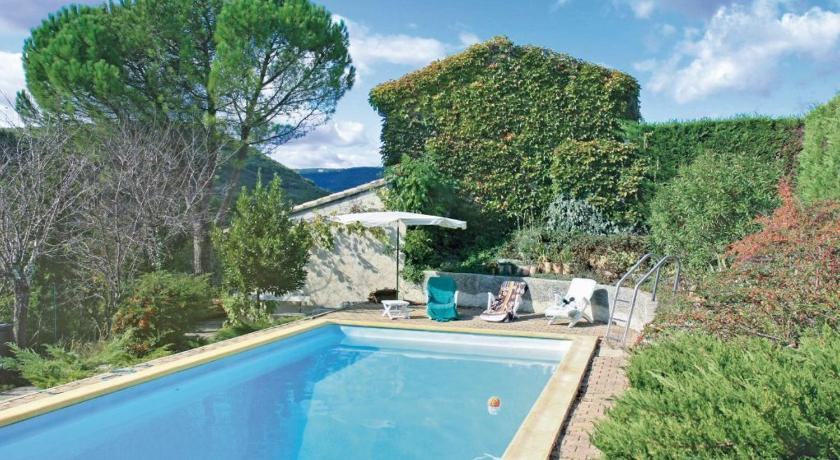 Holiday home Saint Thome 27 with Outdoor Swimmingpool