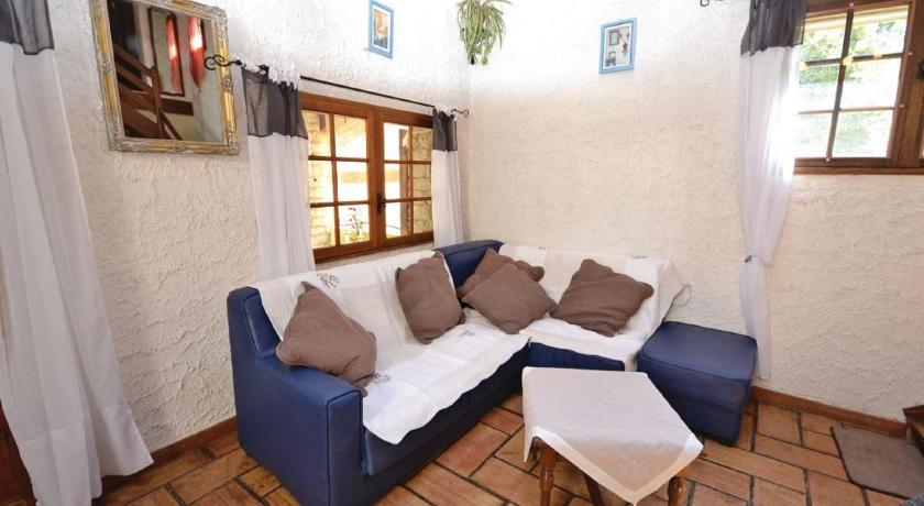 Holiday home Qu Les graveliers Senancole N-888