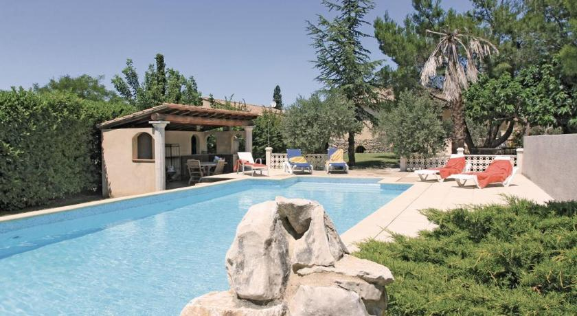 Holiday home Morieres Les Avignon 11 with Outdoor Swimmingpool