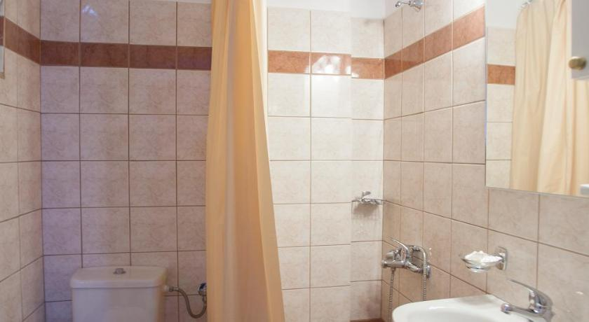 Estudi (2 Adults) - Bany Xenion Family Hotel