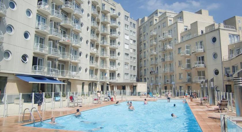 Apartment Oostende with Outdoor Swimming Pool 243